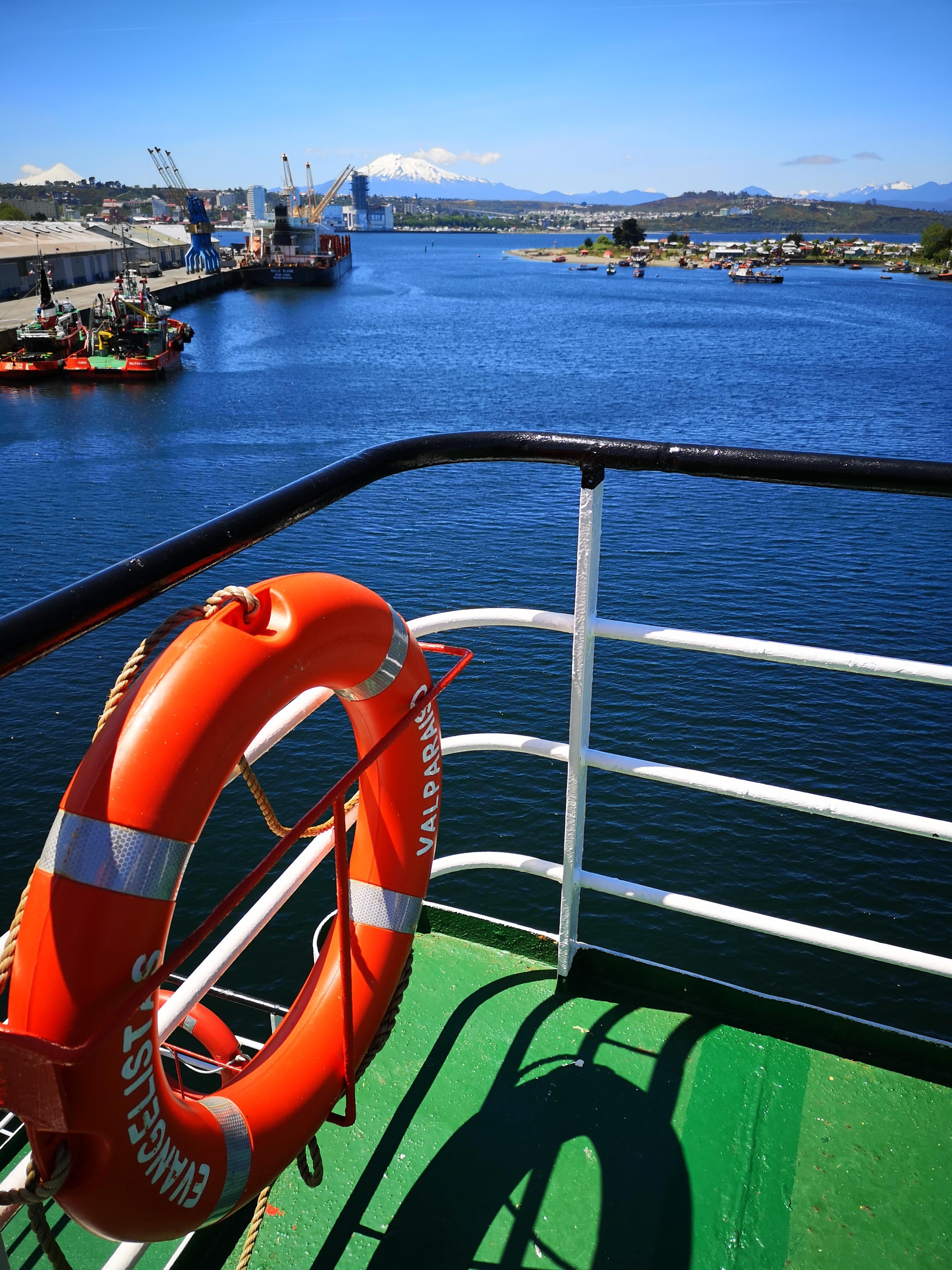 """¿Quieres recorrer la Patagonia de forma diferente? Descubre si un """"slow travel"""" en ferry es para ti"""